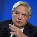 """<p class=""""Normal""""> <strong>7. George Soros</strong></p> <p class=""""Normal""""> <span>Xếp hạng trong Forbes 400: 56</span></p> <p class=""""Normal""""> <span>Tài sản 2020: 8,6 tỷ USD</span></p> <p class=""""Normal""""> <span>Tài sản 2019: 8,6 tỷ USD</span></p> <p class=""""Normal""""> <span>George Soros là một trong những nhà đầu tư nổi tiếng nhất thế giới, thường được biết đến là người """"phá sập ngân hàng Anh"""" với thương vụ bán khống đồng bảng Anh năm 1992. Ông đã chuyển ít nhất 18 tỷ USD tài sản cho tổ chức Open Society Foundations của mình. (Ảnh: <em>Reuters</em>)</span></p>"""
