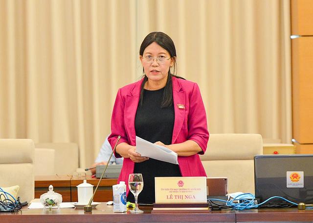 Chủ nhiệm Ủy ban Tư pháp Lê Thị Nga băn khoăn với việc tách ra thành hai luật là Luật Giao thông đường bộ và Luật Đảm bảo trật tự an toàn giao thông đường bộ.