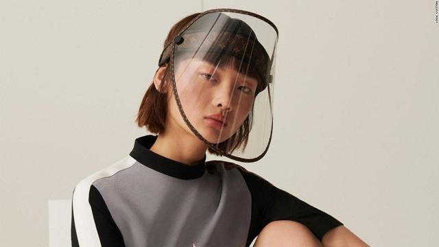 Tấm chắn giọt bắn giá hơn 22 triệu đồng của Louis Vuitton