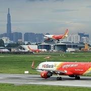 Mở lại đường bay quốc tế: Hành khách cần đáp ứng quy định gì?