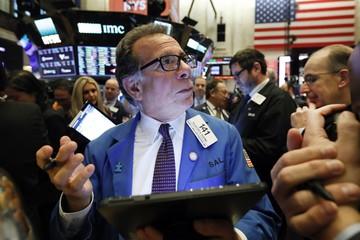 Phố Wall trái chiều sau khi Fed kết thúc hai ngày họp chính sách