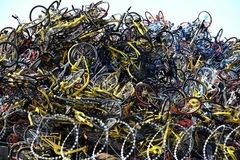 Số phận những chiếc xe đạp bị vứt ra 'nghĩa địa chia sẻ' ở Trung Quốc