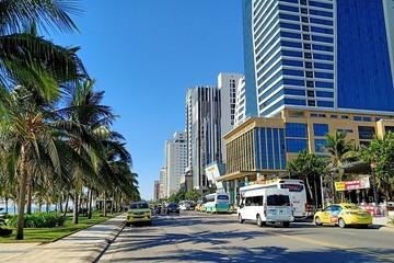 Khách sạn trăm tỷ ồ ạt được rao bán, giá giảm sâu nhưng sẽ khó giao dịch