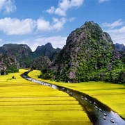 Ninh Bình sẽ được quy hoạch thành trung tâm du lịch - dịch vụ vùng đồng bằng sông Hồng