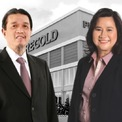 """<p class=""""Normal""""> <strong>10.<span> </span>Lucio và Susan Co</strong></p> <p class=""""Normal""""> Tài sản: 1,7 tỷ USD</p> <p class=""""Normal""""> Lĩnh vực: bán lẻ</p> <p class=""""Normal""""> Lucio Co và vợ Susan là chủ sở hữu của Puregold Price Club - chuỗi siêu thị ra đời năm 1998. Bắt đầu với một địa điểm tại thành phố Mandaluyong, chuỗi hiện có hơn 350 cơ sở trên khắp Philippines. (Ảnh: <em>Puregold Price Club</em>)</p>"""