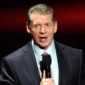 """<p class=""""Normal""""> <strong>Vincent McMahon</strong></p> <p class=""""Normal""""> Tổng tài sản: 1,8 tỷ USD</p> <p class=""""Normal""""> Nguồn tài sản: Giải trí</p> <p class=""""Normal""""> Đại dịch Covid-19 đã giáng một đòn mạnh vào các sự kiện đấu vật trực tiếp của World Wrestling Entertainment, nơi McMahon là Giám đốc điều hành và Chủ tịch. Doanh số bán vé và hàng hóa đã giảm 31% từ đầu tháng 2 đến cuối tháng 7.</p> <p class=""""Normal""""> McMahon cũng mất khoảng 200 triệu USD vào XFL, đối thủ của NFL. XFL đã buộc phải hủy mùa giải vào tháng 3 và đệ đơn phá sản không lâu sau đó. Một nhóm nhà đầu tư, bao gồm Dwayne """"The Rock'' đã đồng ý mua lại giải đấu vào tháng 8 với giá 15 triệu USD. (Ảnh:<em> Getty Images</em>)</p>"""