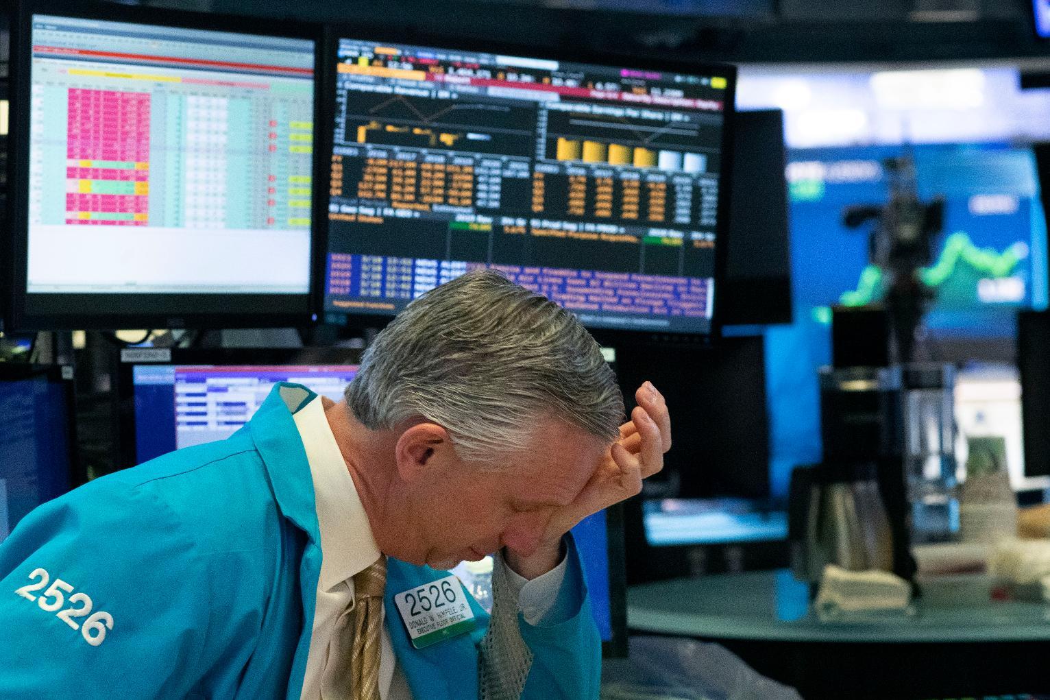 Cổ phiếu công nghệ bị bán ngày thứ ba liên tiếp, Phố Wall giảm điểm