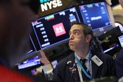 Đà bán tháo gia tăng, Dow Jones giảm hơn 800 điểm, S&P 500, Nasdaq mất hơn 2%