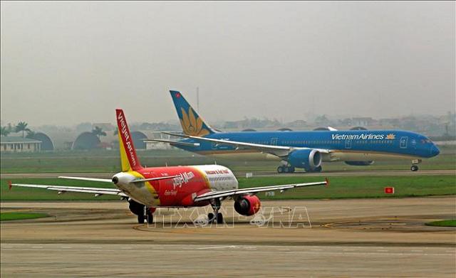 Máy bay của hai hãng hàng không Vietnam Airlines và Vietjet Air.
