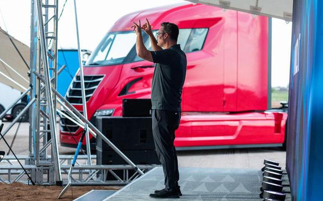 Hãng xe điện mới nổi có vốn hóa cao hơn cả Ford: Chủ tịch vừa từ chức, công ty bị cáo buộc là 'cú lừa thế kỷ'