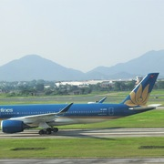 Chuyến bay thương mại quốc tế đầu tiên về Việt Nam sau 6 tháng