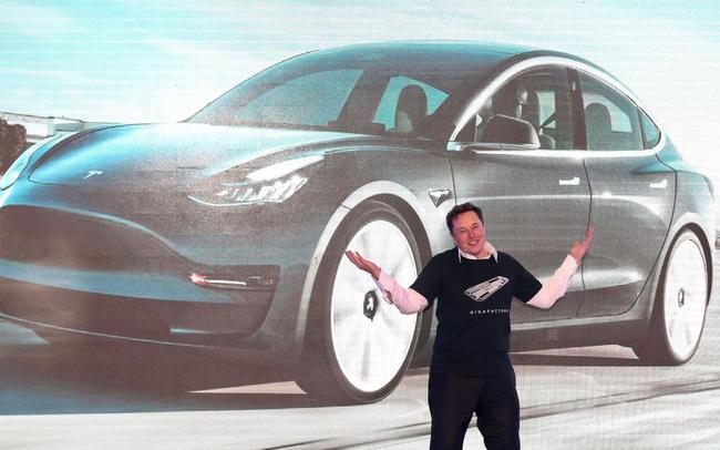 Tesla lên kế hoạch giảm giá xe điện xuống còn 600 triệu đồng
