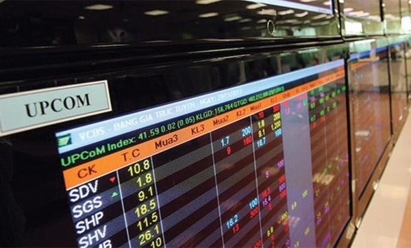 Hơn 100 cổ phiếu trên sàn không có người mua bán