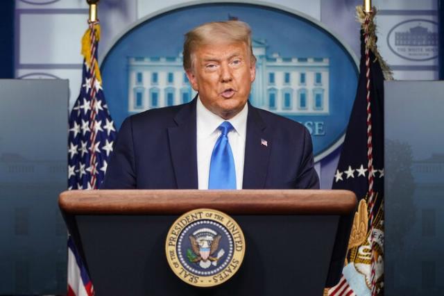 Trump không hứa chuyển giao quyền lực hòa bình nếu thất cử