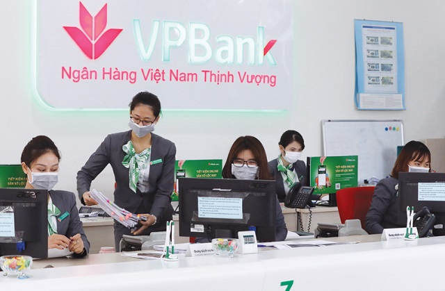 Nhờ nhanh nhạy thay đổi chiến lược khách hàng, VPBank đã tăng trưởng gần hết room tín dụng chỉ trong 6 - 7 tháng đầu năm.