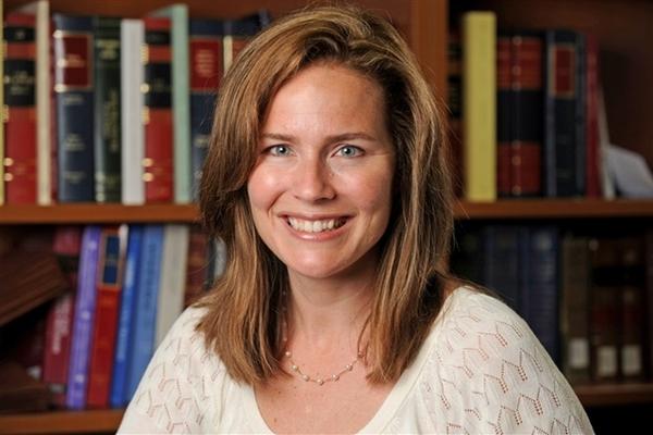 Trump sẽ chọn Amy Coney Barrett làm thẩm phán tòa án tối cao Mỹ