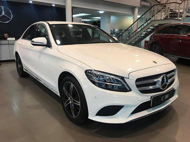 Những mẫu xe sang rẻ nhất thị trường Việt