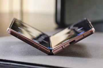 Những điểm mới trên smartphone màn hình gập Galaxy Z Fold2