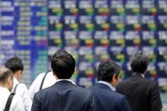Chứng khoán châu Á trái chiều, cổ phiếu SMIC lao dốc sau tin bị Mỹ trừng phạt