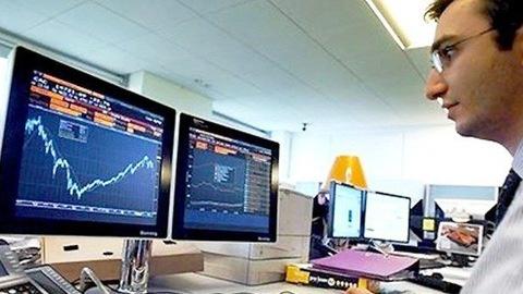 Khối ngoại đẩy mạnh bán ròng 389 tỷ đồng, 'xả' mạnh VNM và VRE