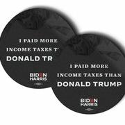 Chiến dịch của Biden bán sticker 'nộp thuế hơn Trump'