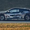 <p> Cung cấp năng lượng cho động cơ điện là khối pin 60 kWh - 800 V, tích hợp công nghệ sạc nhanh. Hyundai công bố khá đầy đủ thông tin chi tiết của RM20e. Mẫu siêu xe điện này có kích thước dài x rộng x cao lần lượt là 4.319 x 1.945 x 1.354 (mm), chiều dài cơ sở đạt 2.672 mm.</p>