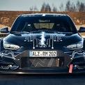 <p> Thân xe của RM20e được chia sẻ từ chiếc Veloster N với phần khung phụ phía trước làm bằng nhôm và khung phụ phía sau làm từ thép ống. Hyundai công bố RM20e là mẫu xe hiệu năng cao nhưng vẫn đảm bảo sự êm ái cho việc di chuyển hàng ngày.</p>