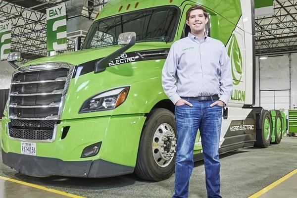 CEO 28 tuổi của hãng xe tải điện sắp trở thành tỷ phú tự thân trẻ nhất nước Mỹ