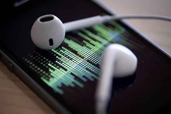 iOS 14.2 xác nhận iPhone 12 không đi kèm EarPods