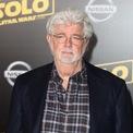 <p> <strong>9. George Lucas (7,13 tỷ USD): </strong>Năm 1971, ông sáng lập Lucasfilm, công ty đứng sau loạt phim bom tấn Star Wars và Indiana Jones. Từ năm 1977 đến nay, tổng doanh thu phòng vé của hai loạt phim này là 12 tỷ USD. Năm 2012, ông bán Lucasfilm cho Disney với giá 4,1 tỷ USD. Ảnh: <em>Getty Images.</em></p>