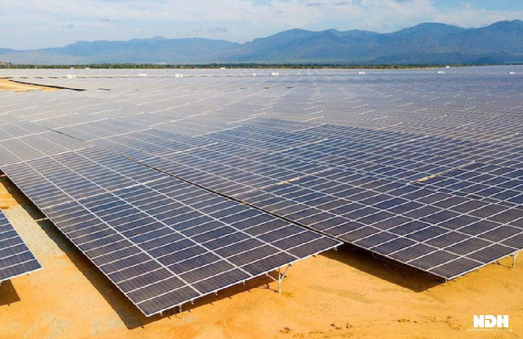 Các doanh nghiệp sản xuất điện mặt trời trên sàn chứng khoán