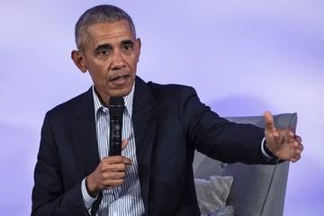 Obama, Clinton mong Trump nhanh hồi phục