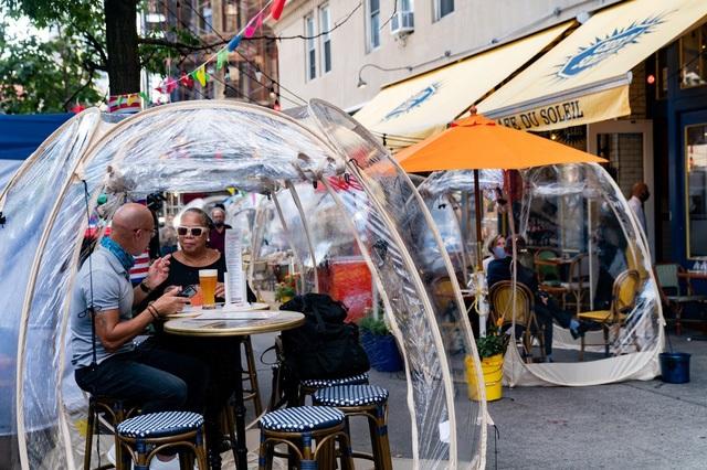 Nhà hàng 'bong bóng' hút khách mùa dịch