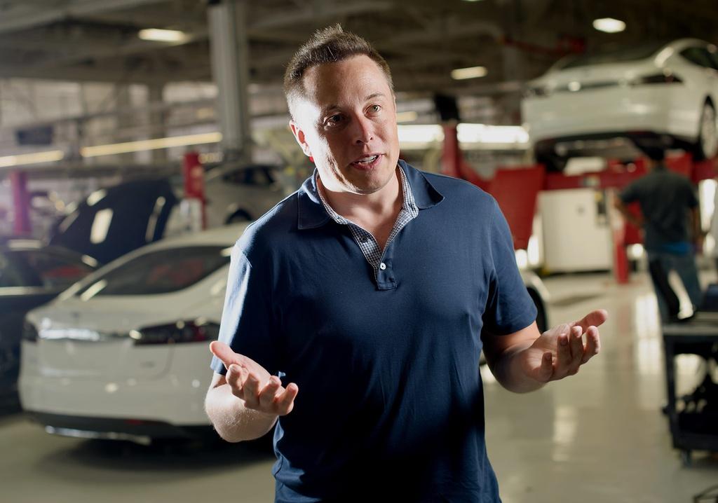 'Elon Musk quá tiểu tiết và tạo ra môi trường làm việc độc hại'