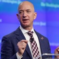 """<p class=""""Normal""""> <strong>5. Jeff Bezos</strong></p> <p class=""""Normal""""> Tài sản: 184,3 tỷ USD</p> <p class=""""Normal""""> Tăng: 1,7 tỷ USD</p> <p class=""""Normal""""> Quốc gia: Mỹ</p> <p class=""""Normal""""> Nguồn tài sản: Amazon (Ảnh: <em>Getty Images</em>)</p>"""