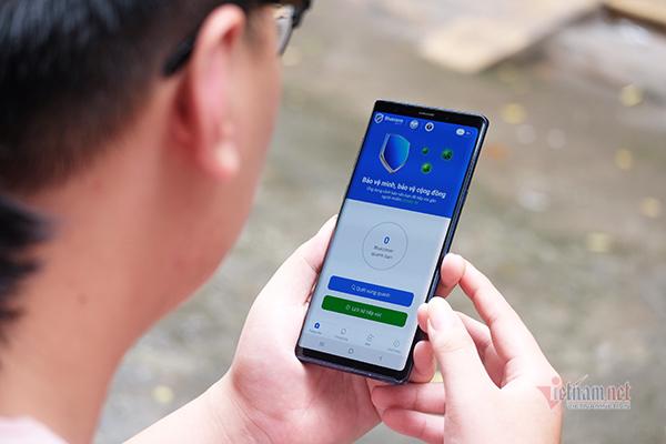 Ứng dụng Bluezone là một trong những giải pháp công nghệ hiệu quả của Việt Nam nhằm ngăn chặn sự bùng phát của Covid-19.