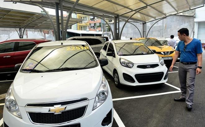 Ngân hàng phát mại hàng loạt ôtô