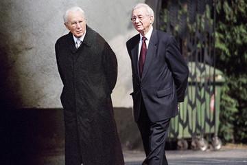 Lối kinh doanh khác biệt từng đưa 2 anh em người Đức lọt top 10 người giàu nhất thế giới