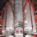 <p> Ban đầu, Castoldi đã mua lại động cơ V12 4.5L của chiếc Ferrari 375 để phục vụ dự án này. Sau khi hợp tác với Ferrari, Enzo cho rằng động cơ này vẫn chưa đủ để phá vỡ kỷ lục. Động cơ này được các kỹ sư của Ferrari tỉnh chỉnh lại, cho ra sức mạnh 550-600 mã lực. Đây là sức mạnh rất lớn ở thập niên 1950. Nguyên bản, động cơ V12 của Ferrari 375 chỉ sản sinh khoảng 385 mã lực. Tuy nhiên, động cơ vẫn chưa phải là chi tiết đặc biệt duy nhất của Ferrari Arno XI.</p>