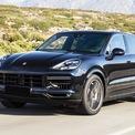 """<p class=""""Normal""""> <strong>Porsche Cayenne bản tiêu chuẩn: 4,72 tỷ đồng</strong></p> <p class=""""Normal""""> Mẫu thể thao 5 chỗ của Porsche sở hữu kích thước dài x rộng x cao lần lượt là 4.918 x 1.983 x 1.696 (mm), chiều dài cơ sở 2.895 mm. Cung cấp sức mạnh cho mẫu SUV này là khối động cơ V6 tăng áp 3.0L, có khả năng sản sinh công suất tối đa 340 mã lực, mô-men xoắn cực đại 450 Nm. Xe có khả năng tăng tốc từ 0-100 km/h trong 6,2 giây và tốc độ tối đa đạt 245 km/h. (Ảnh:<em>Porsche</em>)</p>"""
