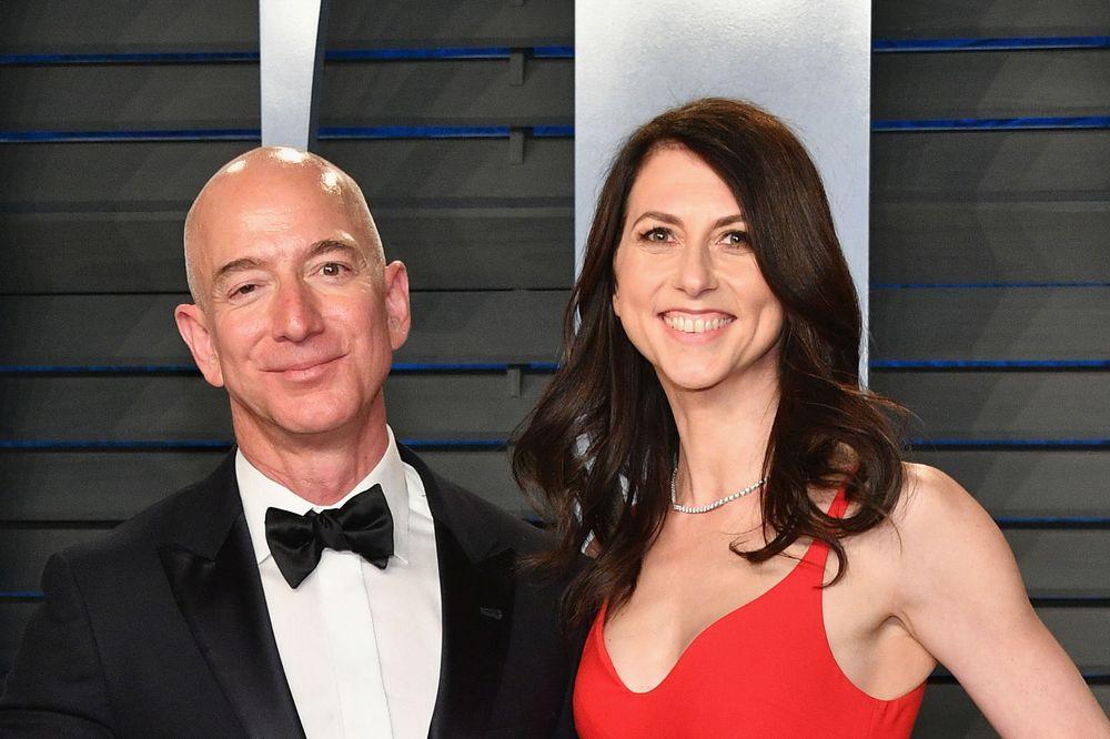 10 tỷ phú kiếm được nhiều tiền nhất tuần qua: Jeff Bezos và vợ cũ 'bỏ túi' gần 12 tỷ USD