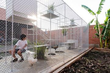 Chuồng gà 20 m2 là nơi vui chơi cho trẻ thành phố