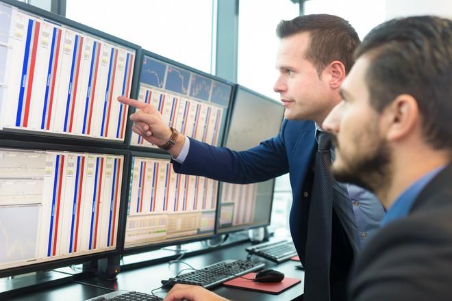 Khối ngoại đẩy mạnh bán ròng 390 tỷ đồng trong phiên 12/10, tâm điểm CTG và MSN