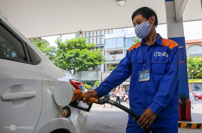 Xăng, dầu tăng giá