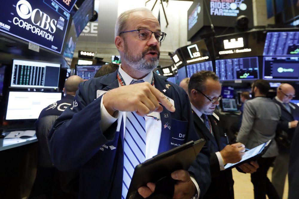 Phố Wall tăng nhờ lực đẩy từ cổ phiếu công nghệ, kỳ vọng gói hỗ trợ kinh tế mới