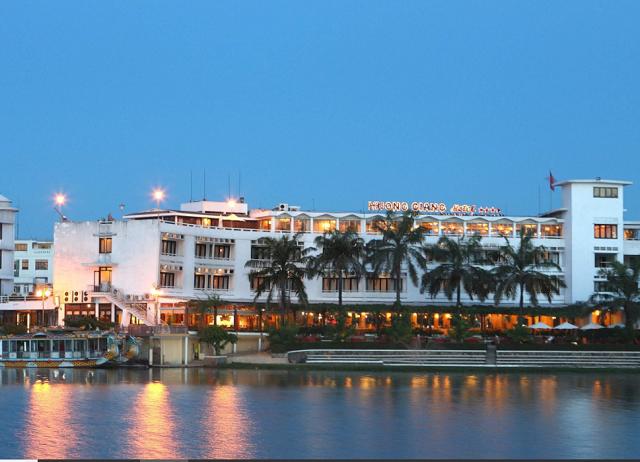 Sở hữu loạt khách sạn cao cấp, Hương Giang Tourist chào sàn giá 10.000 đồng/cp
