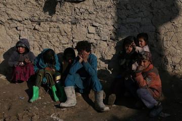 Các nước nghèo nhất thế giới đang 'gồng gánh' khoản nợ kỷ lục
