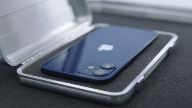 iphone-12-1221-1602644884.jpg