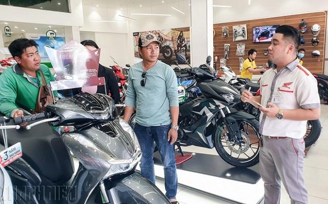 Lượng tiêu thụ mô tô, xe máy tại Việt Nam vẫn tiếp tục giảm mạnh trong quý III/2020.