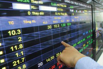 Một cá nhân bị UBCKNN phạt do chậm báo cáo kết quả giao dịch cổ phiếu